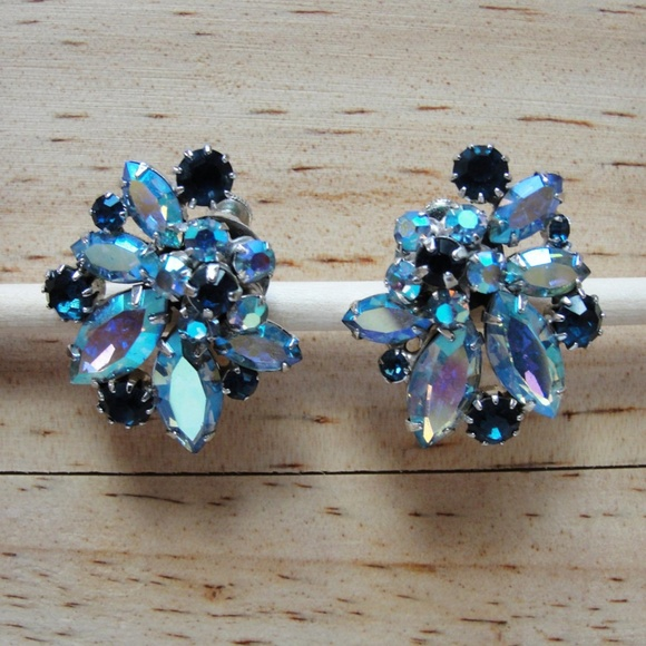 Vintage Jewelry - 1950's Vendome Clip-On Earrings